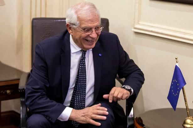 """Szef dyplomacji UE Josep Borrell przeprosił na Twitterze za środową wypowiedź o młodzieży, która bierze udział w manifestacjach na rzecz walki ze zmianami klimatu, ale jest nieświadoma, że w jej konsekwencji """"będzie musiała zapracować na dotacje dla polskich górników""""."""