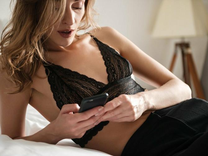 Sakrio sam diktafon u našu spavaću sobu: Otkrio sam šta mi žena ZAPRAVO RADI IZA LEĐA i užasnuo sam se