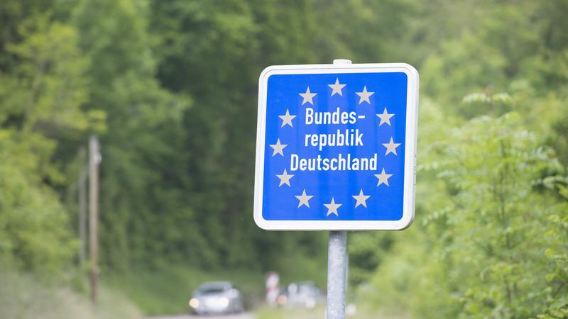 Znak graniczny