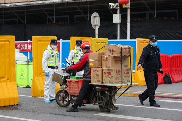 Policija je blokirala sve prilaze pijaci Huanan