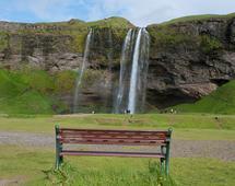 Jeżeli będziecie kiedyś w Islandii, obejrzyjcie wodospad Seljalandsfoss