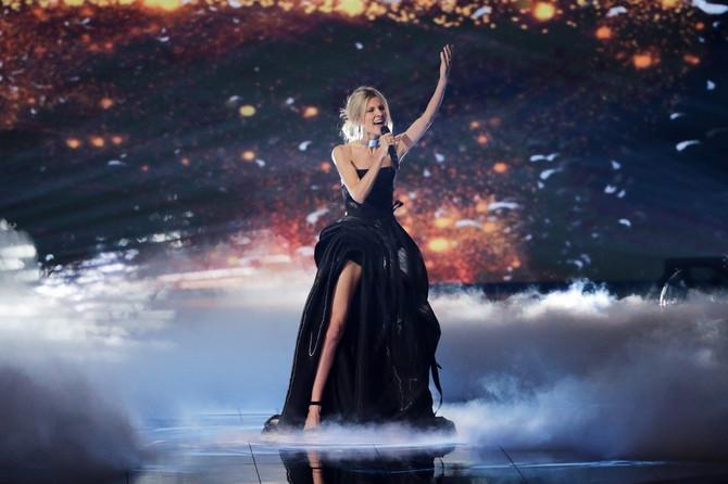 Nevena Božović na sceni Evrovizije u Tel Avivu