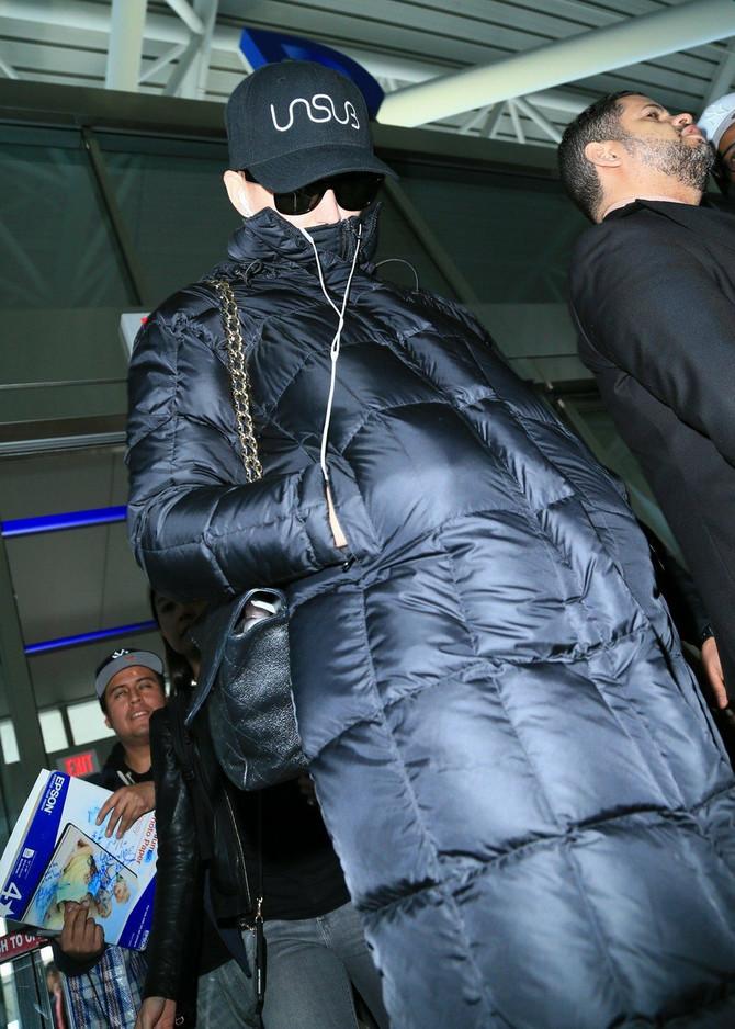 Ko li se krije ispod ove jakne?