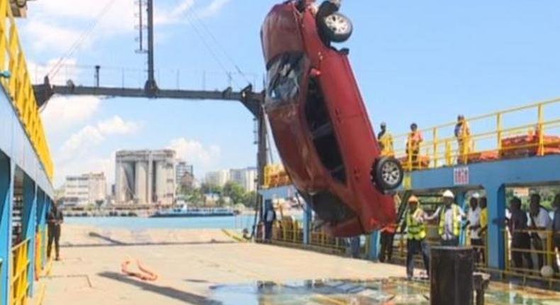 Kenya Navy retrieving the car that plunged into the Indian Ocean on Saturday