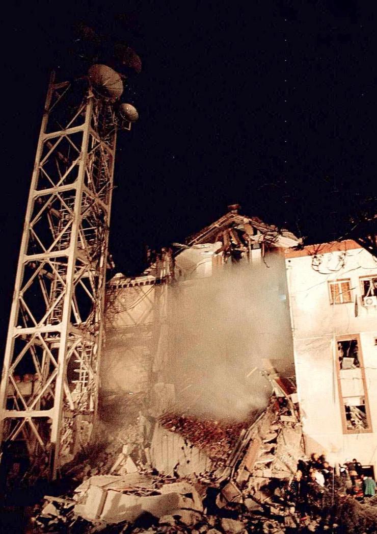 NATO bombardovanje RTS foto EPA Koca Sulejmanovic