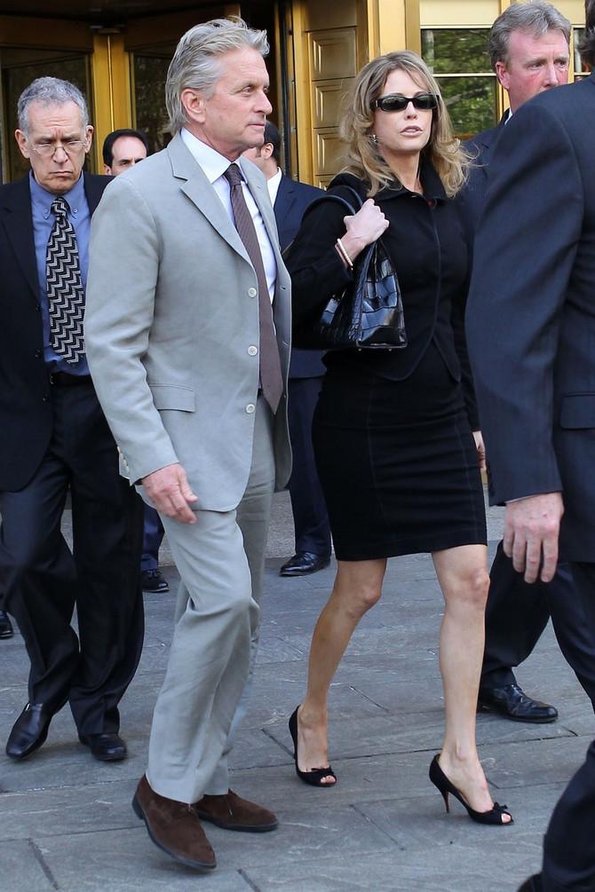 Majkl i Dijadra Daglas na suđenju sinu