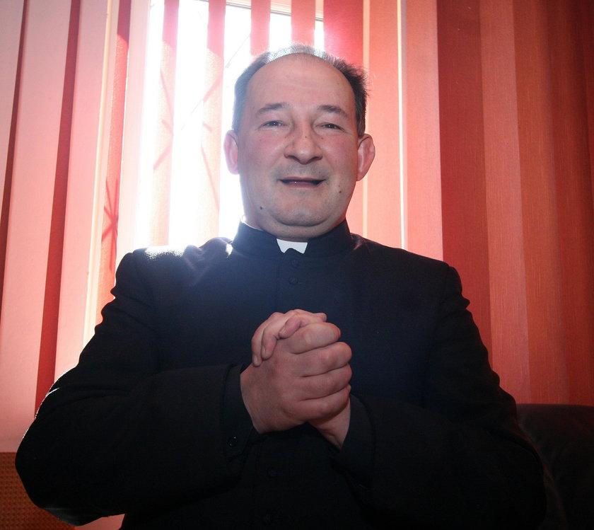 Ks. Janusz Koplewski