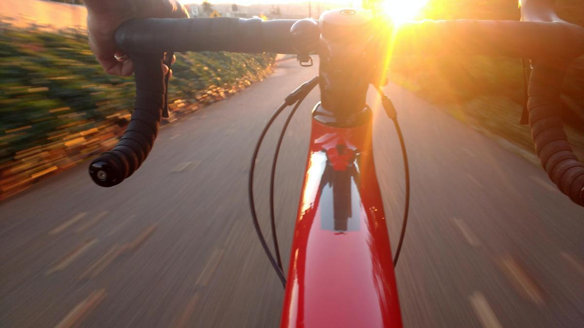 Halálos baleset történt Keszthely és Alsópáhok között: kerékpárost sodort el egy autó