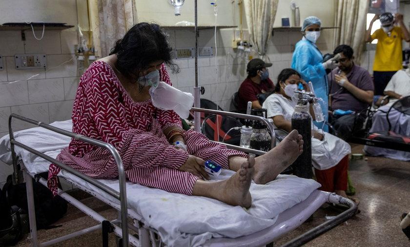 """Czarny grzyb"""" atakuje ozdrowieńców po COVID-19 w Indiach. Czym jest mukormykoza?"""