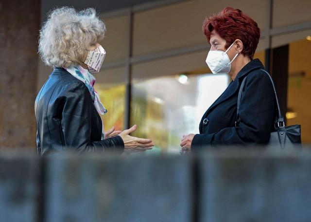 Distanca i maska su ključne stvari u borbi protiv virusa
