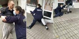 Mężczyzna bez maseczki uciekał przed policjantką. Doszło do szamotaniny. Szokujące nagranie