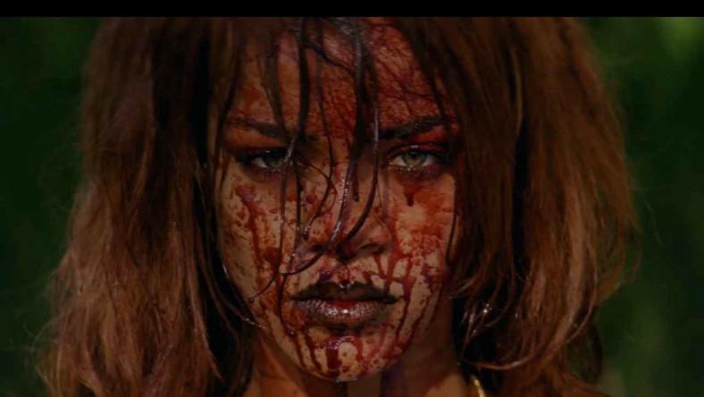 Fabularyzowany klip ukazuje wokalistkę porywającą i torturującą bogatą kobietę. W wideo gościnnie pojawiają się aktorzy Eric Roberts i Mads Mikkelsen.