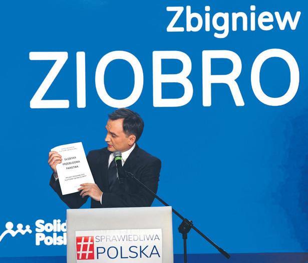 Do Państwowej Komisji Wyborczej (PKW) zgłaszają się kolejne ugrupowania z wnioskiem o rejestrację komitetów wyborczych. Jako pierwszy o złożeniu dokumentów poinformował w piątek sztab Władysława Kosiniaka-Kamysza.