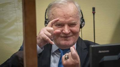 """Ratko Mladić skazany. Dożywocie dla """"rzeźnika Bałkanów"""""""