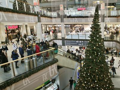 W niedzielę 8 grudnia otwarte będą mogły być tylko sklepy, w których za ladą staną ich właściciele. Pozostałe niedziele w tym miesiącu będą handlowe.