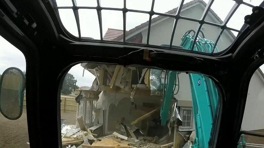 Dom za pół miliona funtów zniszczony przez budowlańców