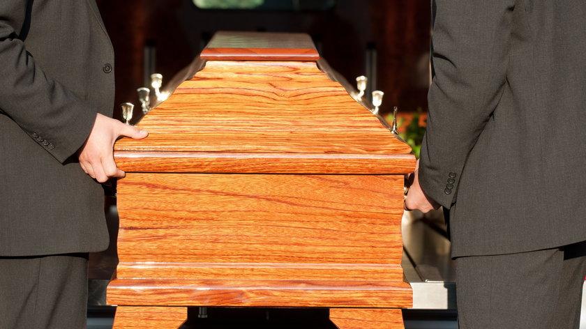 Sprawdziliśmy, jak wygląda stan usług pogrzebowych w Polsce w dobie pandemii.
