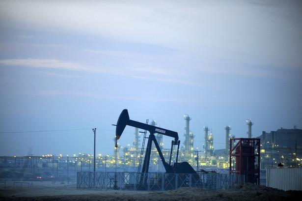 We wtorek ropa na NYMEX w USA zdrożała o 0,8 proc. do 83,32 USD/b.