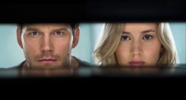 "Kris Prat i Dženifer Lorens u filmu ""Passengers"""