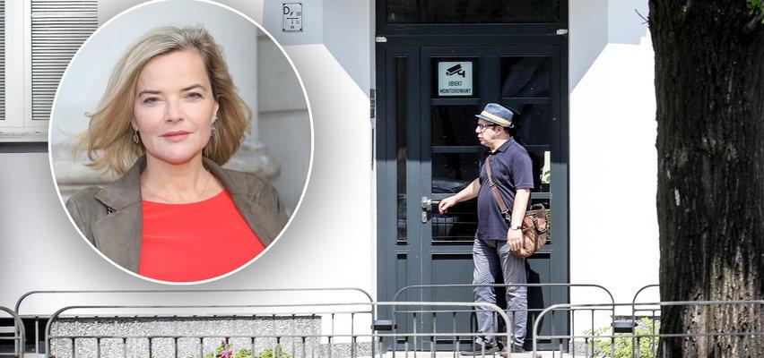 Zamachowski kręci się koło domu Moniki Richardson pod jej nieobecność. Dziennikarka zaskoczona [ZDJĘCIA]