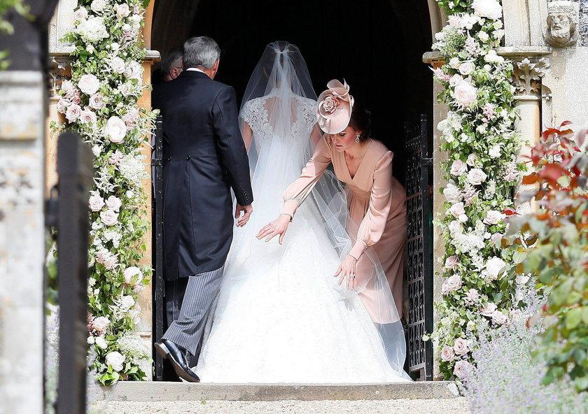 Siostra Kate wyszła za mąż! Suknia jak z bajki