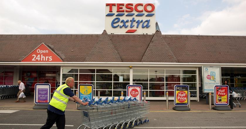 Tesco jest największą siecią -super i hipermarketów w Wielkiej Brytanii. Posiada ponad 3400 sklepów w różnych formatach