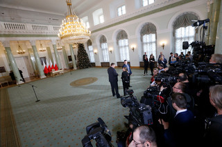 Ośmiu ministrów zdymisjonowanych. Rząd Morawieckiego bez Macierewicza, ale z Brudzińskim [WSZYSTKIE ZMIANY]