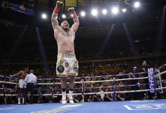 Endi Ruiz je novi svetski šampion u boksu