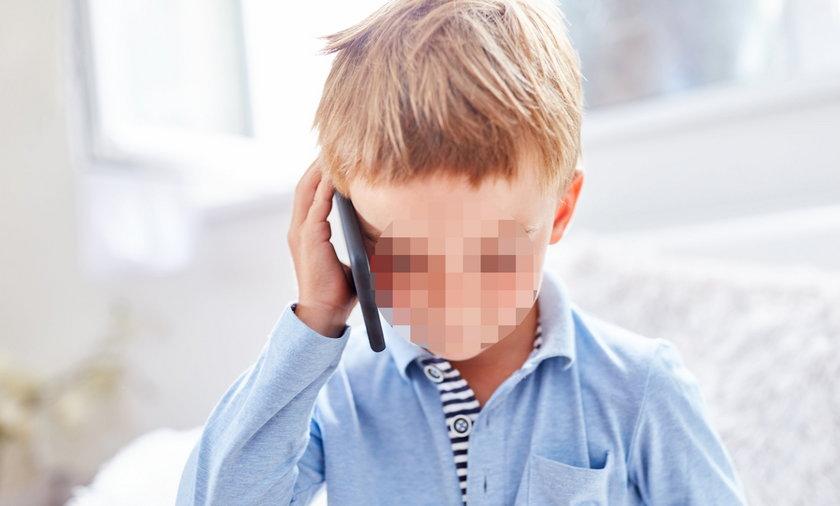 """Poruszający telefon 7-latka z Wysokiej. """"Mama śpi i nie chce się obudzić"""""""