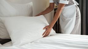 Dlaczego hotele używają białej pościeli?