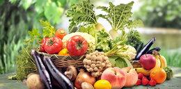 Uważaj na te owoce i warzywa. Chłoną toksyny jak gąbka