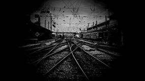 Upiorne pociągi - wyłaniają się z mgły
