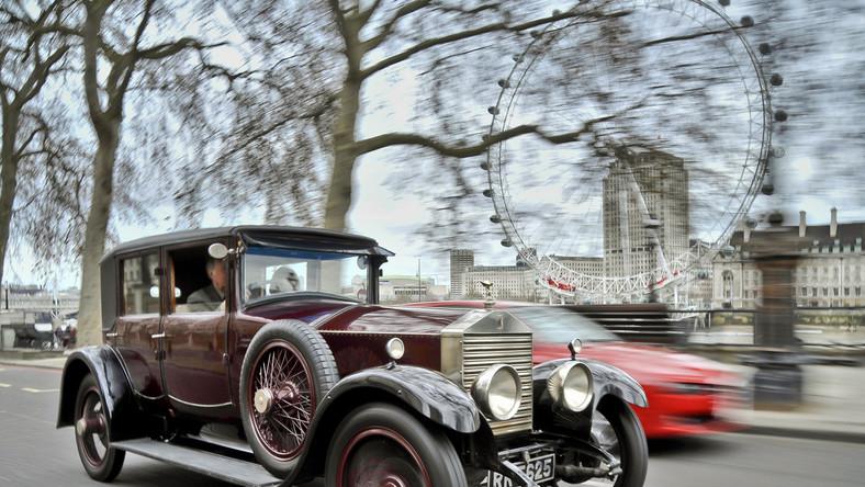 6 lutego 1911 roku to data kiedy narodziła się charakterystyczna statuetka Spirit of Ecstasy (Duch ekstazy) - jeden z najsłynniejszych symboli motoryzacji lśniący na masce tych aut