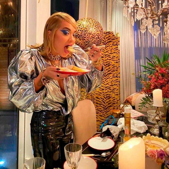 Rita Ora prekršila mere pa se izvinjava