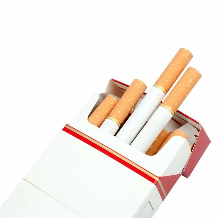 389457_cigarete-shutterstock58826809