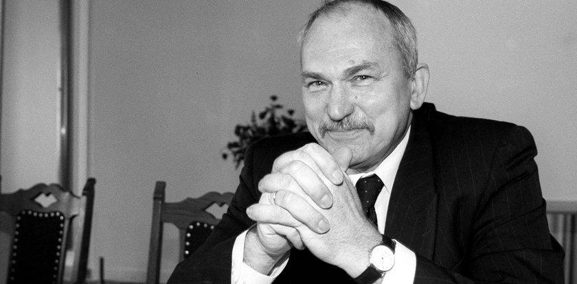 Mirosław Handke nie żyje. Były minister edukacji zmarł w wieku 75 lat
