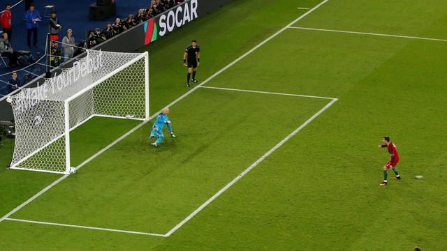 Kristijano Ronaldo promašuje penal