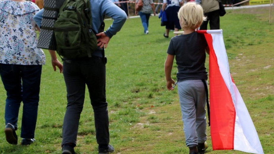 O chłopcu z biało-czerwoną flagą, który dostał imię po Prymasie