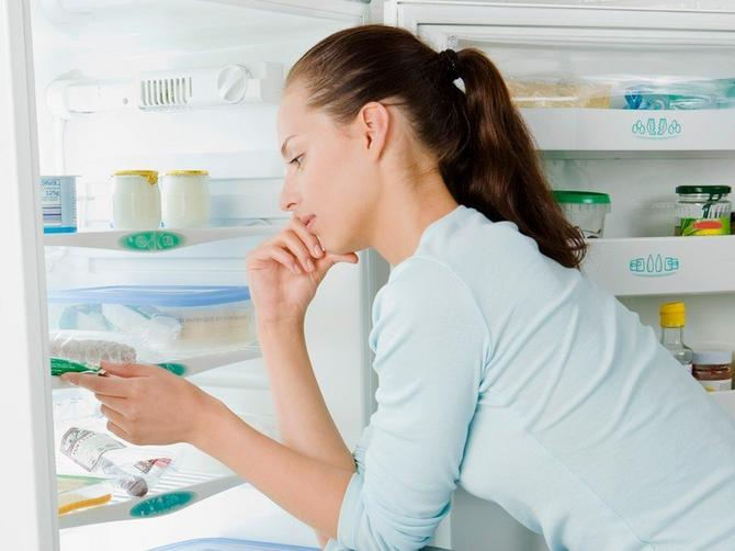 Da, možete da jedete i kasno noću bez straha od kilograma: A ako pojedete OVO, topite višak u snu