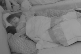 POTPUNO IZGUBILI KONTROLU Miljana i Zola se PREPUSTILI STRASTIMA u krevetu, i to dok je njena MAJKA bila u blizini