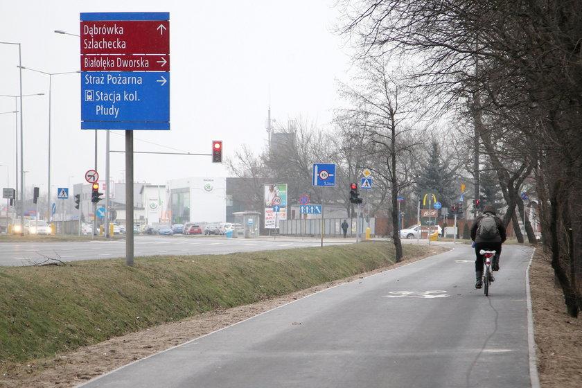 Kierowcy ze ścieżki rowerowej zrobili sobie autostradę
