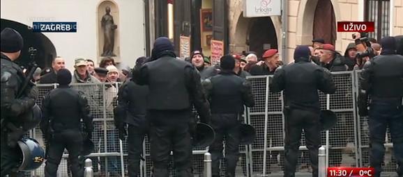 Demonstranti kod zagrebačkog Gornjeg grada