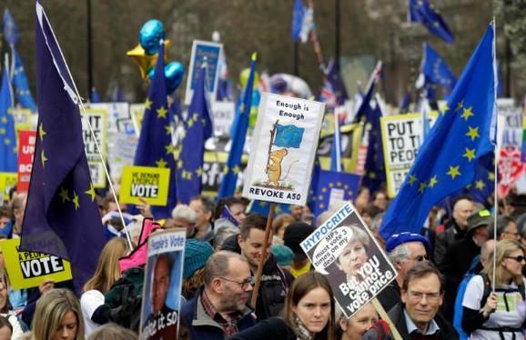 Milion ljudi na ulicama Londona danas pokušava da promeni istoriju