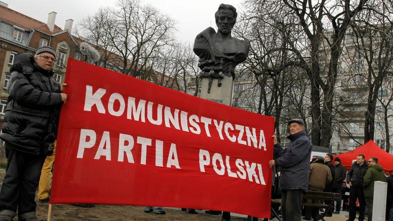 28997feb73 Komunistyczna Partia Polski powstała w 2002 roku w Dąbrowie Górniczej