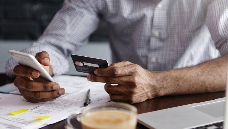 Nowa dyrektywa nakazała bankom zmienić sposób logowania się do konta przez internet. W niektórych instytucjach wystąpiły problemy