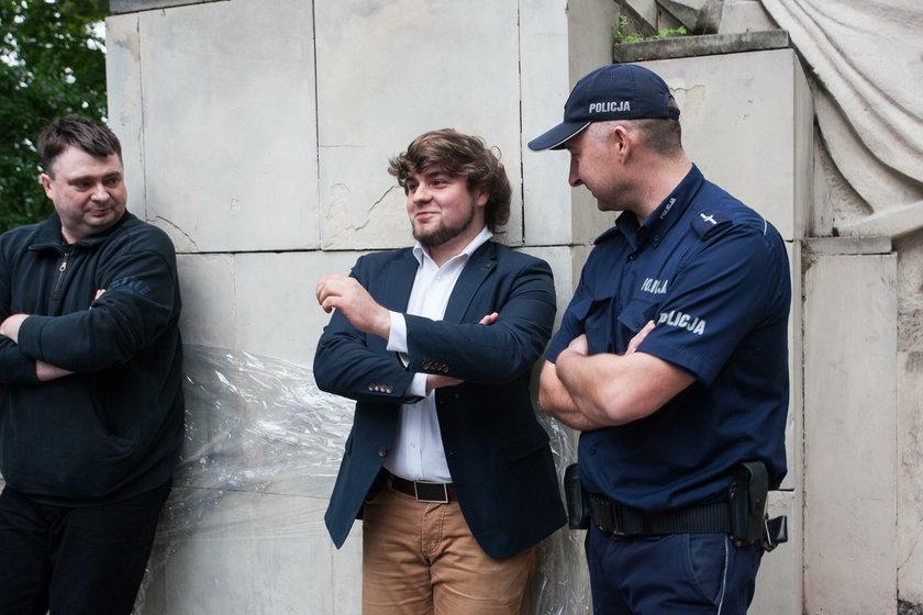 Współpracownik Jakiego chciał strzelać do Żydów. Został ukarany