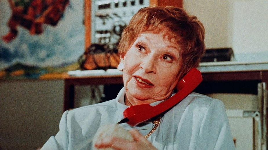 """""""Kobieta Pracująca"""" w """"Czterdziestolatku"""" to jedna z najsłynniejszych ról Ireny Kwiatkowskiej."""