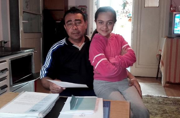 Aduš Avdo sa ćerkom Angulj