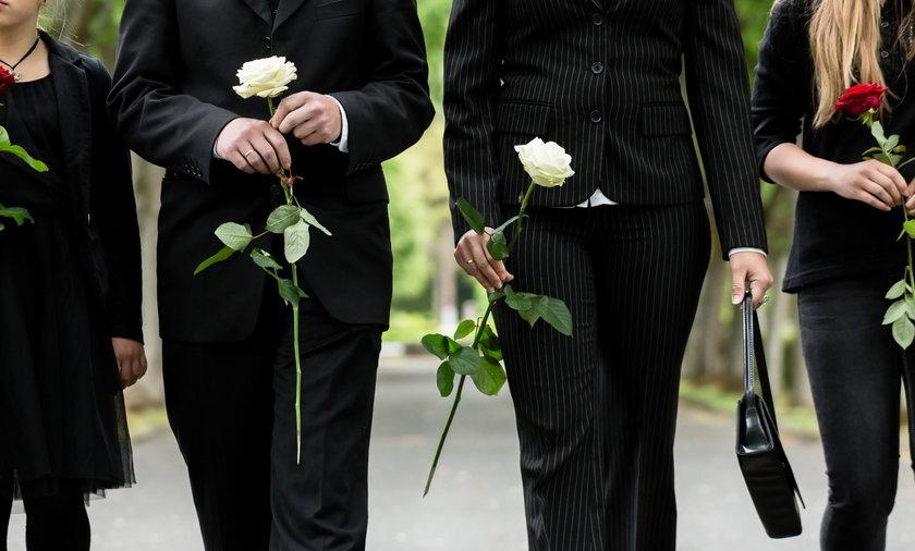 Pokłócili się o imię zmarłego dziecka. Podzielili je na pół i zrobili dwa pogrzeby