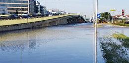 Awaria wodociągowa w stolicy. Woda zalała ulice
